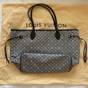 Louis Vuitton Bags - Louis Vuitton Neverfull MM Idylle Monogram Bag